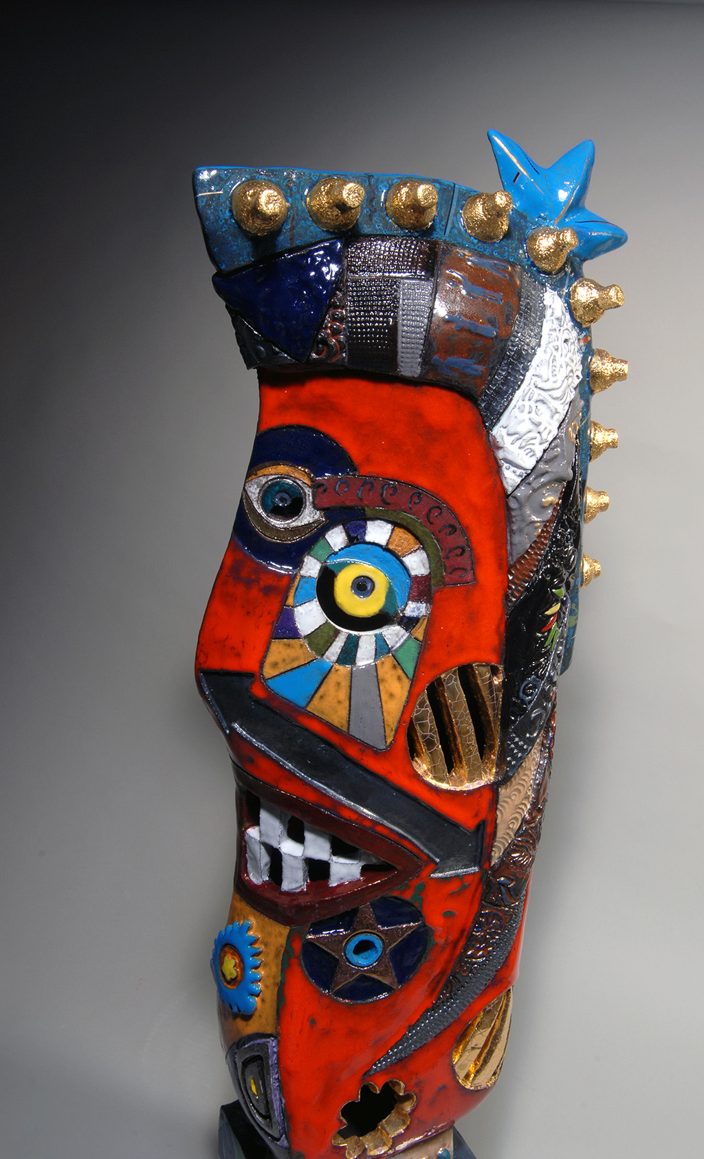Totems_Smile-And-Be-Happy_06.jpg